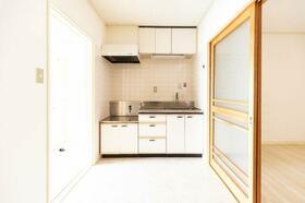 シーズ・レフィネ51 102号室のキッチン