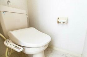 シーズ・レフィネ51 102号室のトイレ
