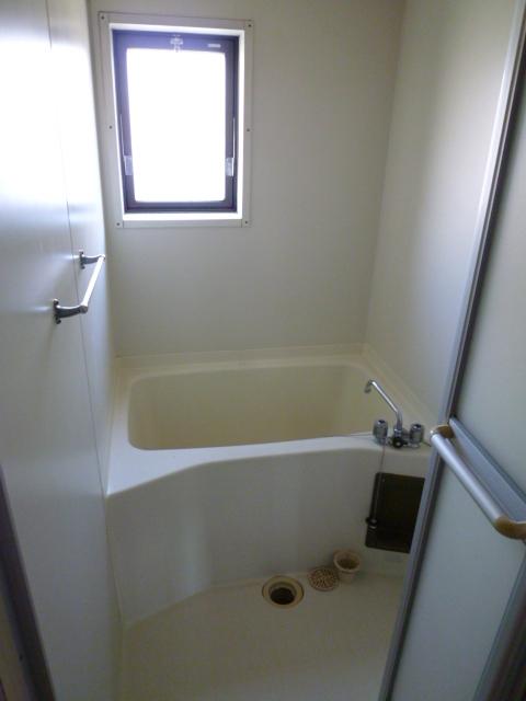 ファミール'21 303号室の風呂