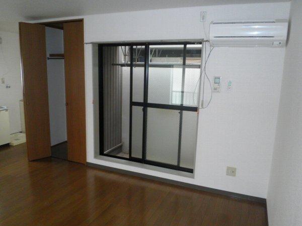 サチビル 201号室の収納