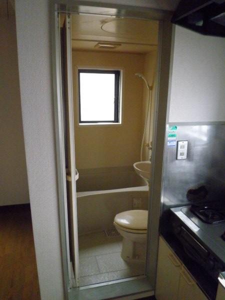 サチビル 201号室の風呂