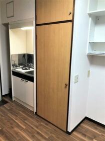 セゾンサンヒルズ南生田 103号室の収納