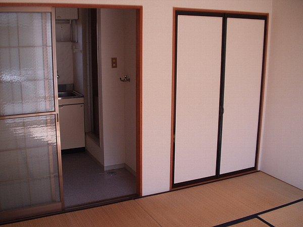 プレジール天王台 201号室の収納