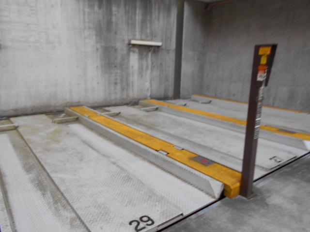 アーバンパーク市が尾 502号室の駐車場