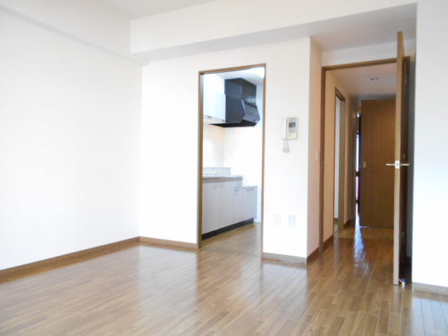 アーバンパーク市が尾 502号室のその他