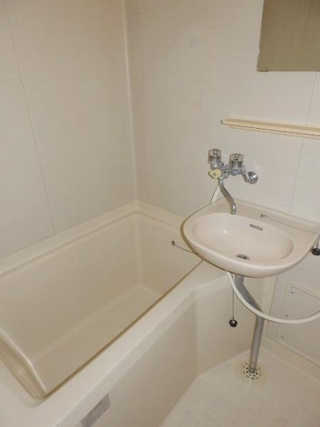 石原第7マンション 203号室の洗面所