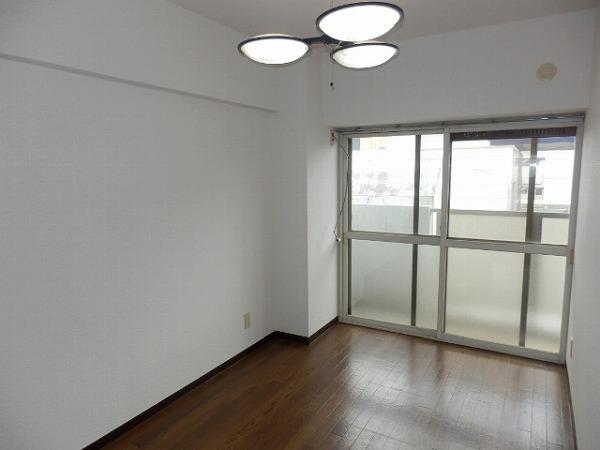 石原第7マンション 203号室の居室