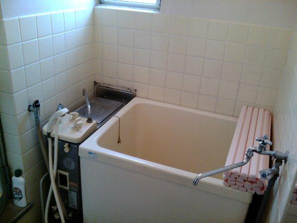 山梨マンション 3-C号室の風呂