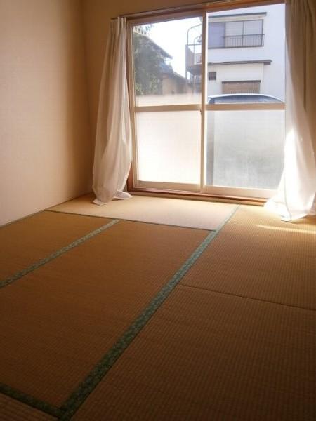 ハイツワタナベ 103号室のリビング