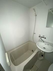 市ヶ尾森ビル十番館 205B号室のトイレ