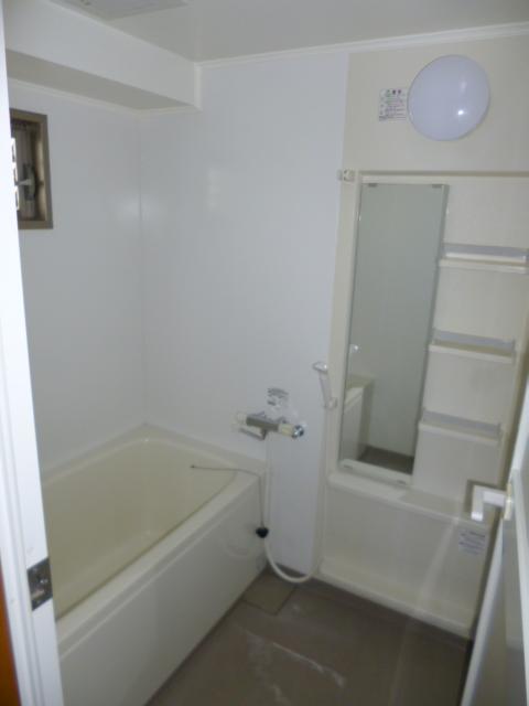 ハイウッド 402号室の風呂