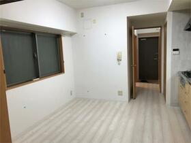 オークヒルズ壱番館 301号室のリビング
