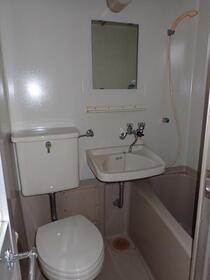 フラット渡辺 105号室の風呂