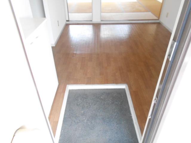 カーサヤマト 202号室の玄関