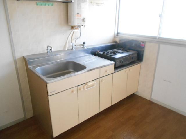 カーサヤマト 202号室のキッチン