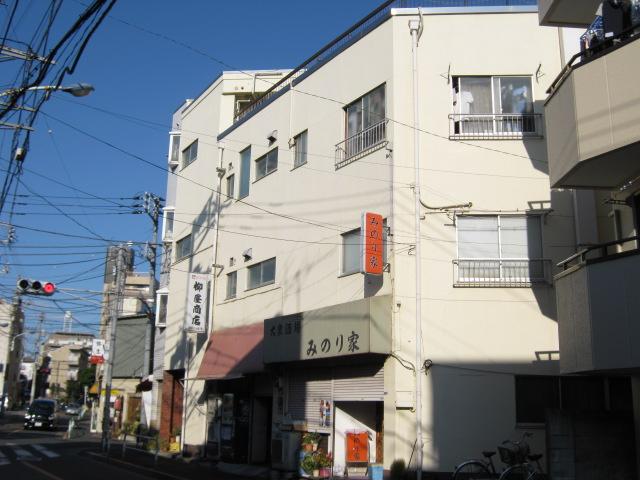 武田マンション 303号室の外観