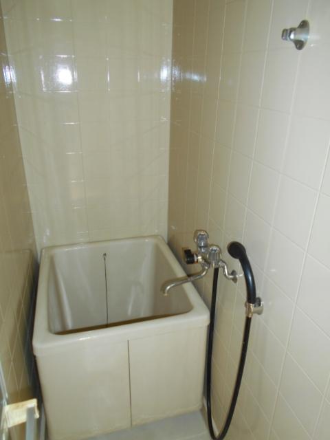 中台荘B棟 201号室の風呂