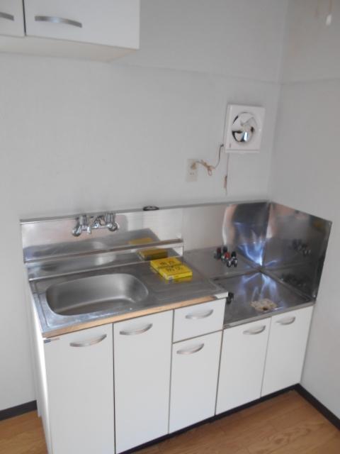 中台荘B棟 201号室のキッチン