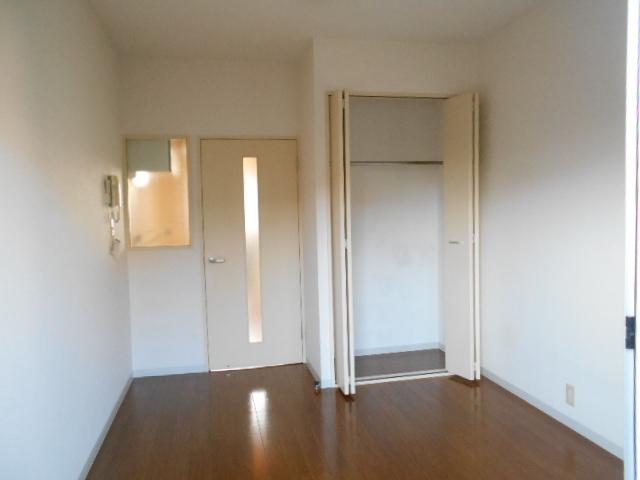 パークサイド見次 305号室のリビング