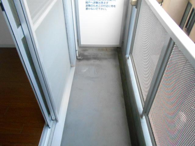 パークサイド見次 305号室のバルコニー