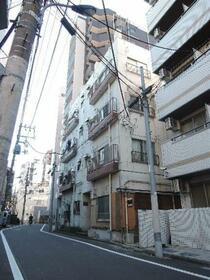 山一田端新町3丁目ビルの外観