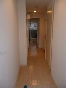 パレ・ホームズ西高島平 103号室の玄関