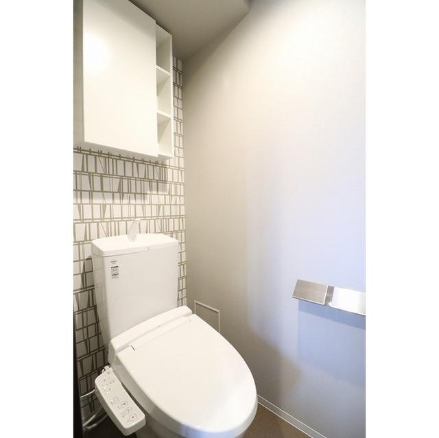 ROYGENT SUGAMO EAST 104号室のトイレ