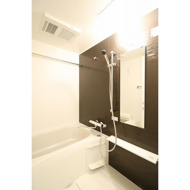 ROYGENT SUGAMO EAST 413号室の風呂
