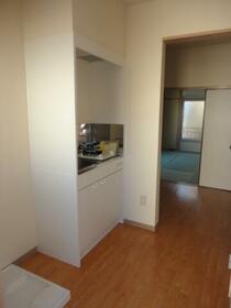 Kハウス 203号室のキッチン