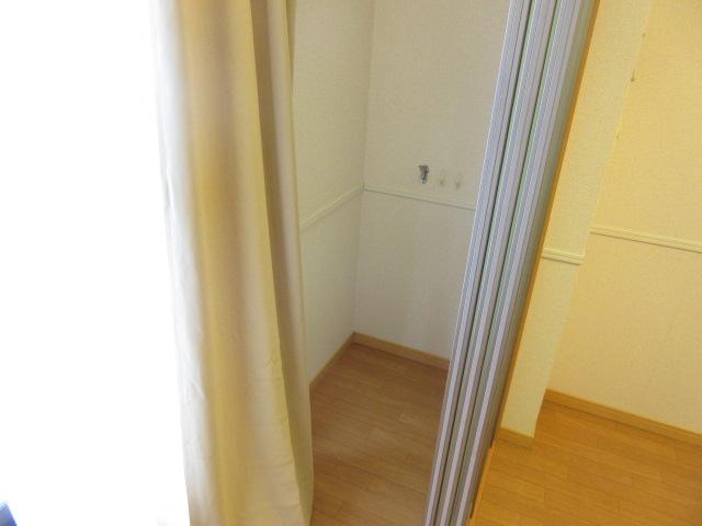 レオパレスウィズユー 104号室のバルコニー