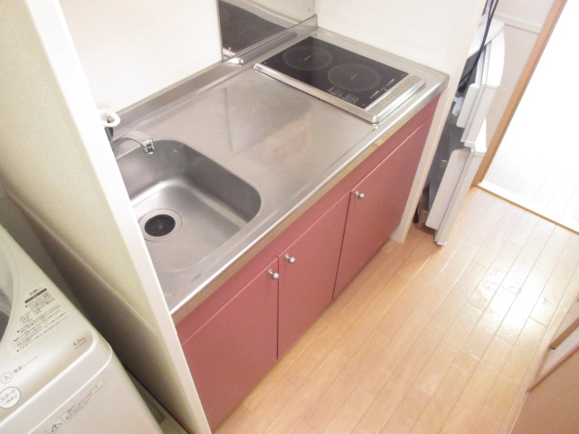 レオパレスウィズユー 104号室のキッチン