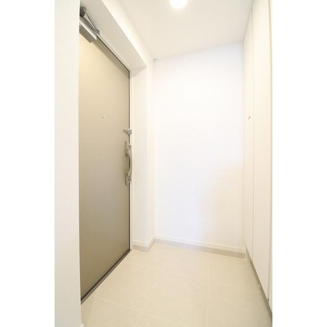 ジオエント巣鴨 0404号室の玄関
