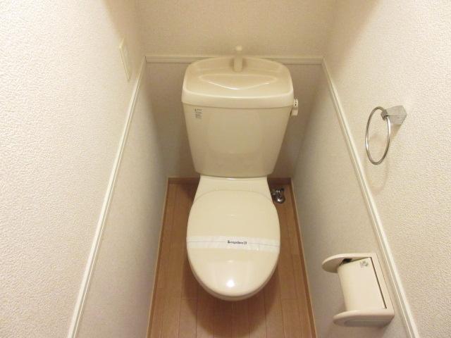 レオパレスウィズユー 103号室のトイレ