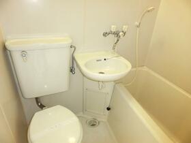 ホワイトポート仲宿 303号室の風呂