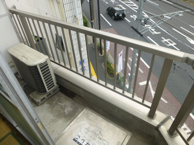 篠原第2ビル 303号室のバルコニー
