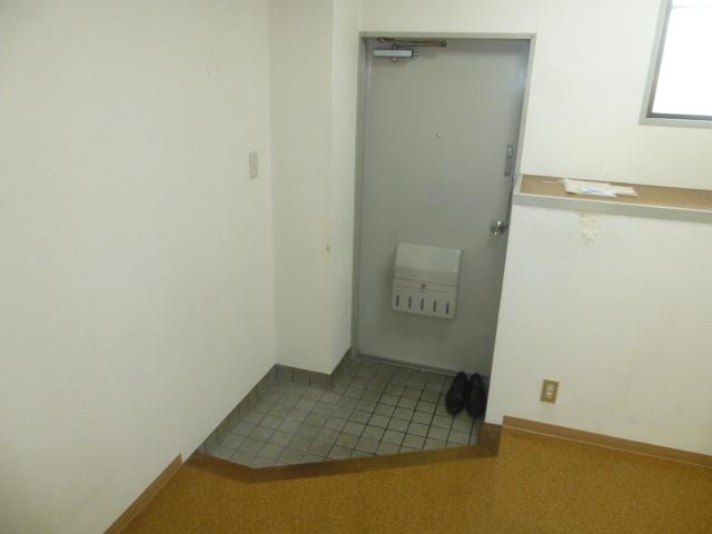 篠原第2ビル 303号室の玄関