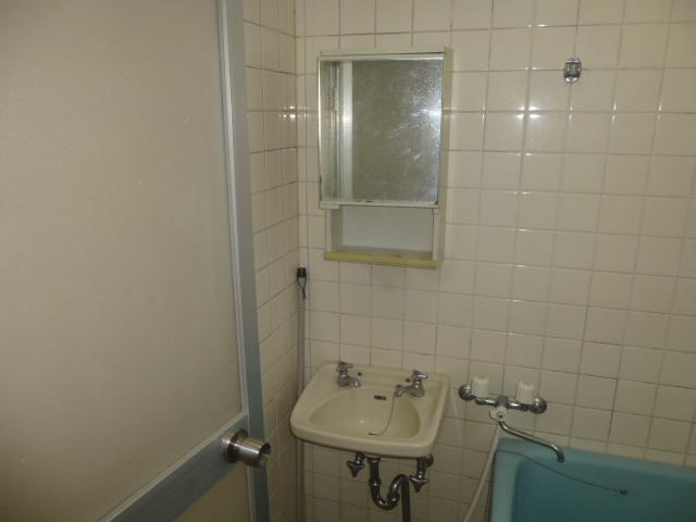 篠原第2ビル 303号室の洗面所