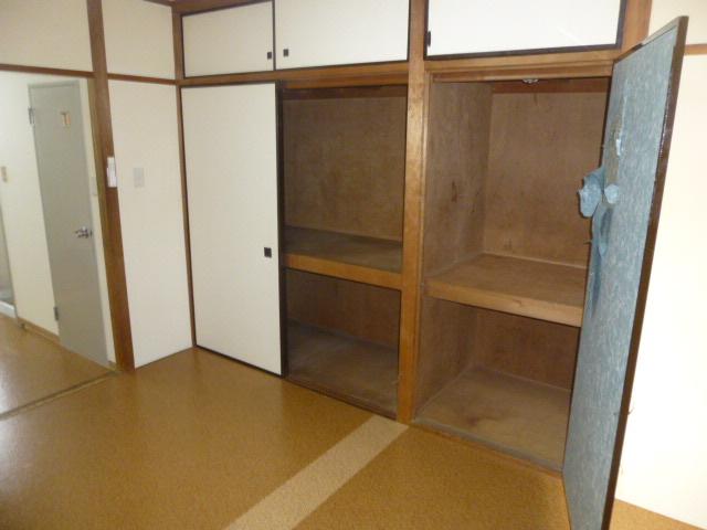 篠原第2ビル 303号室の収納