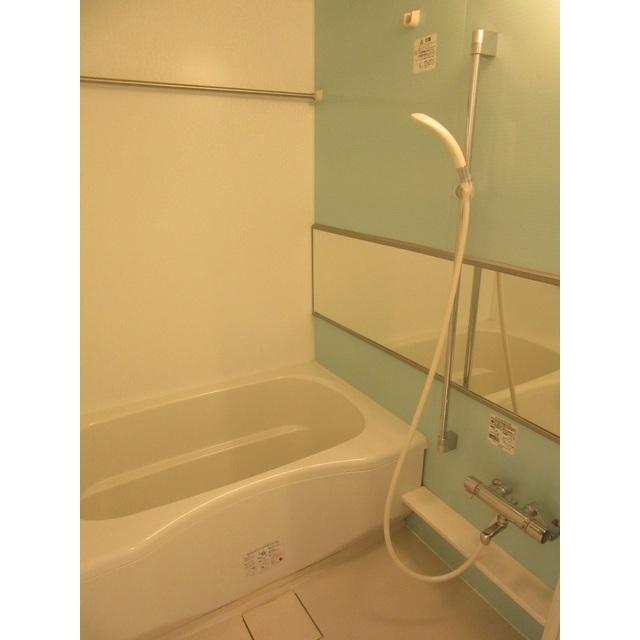 コンフォルト若宮 201号室の風呂
