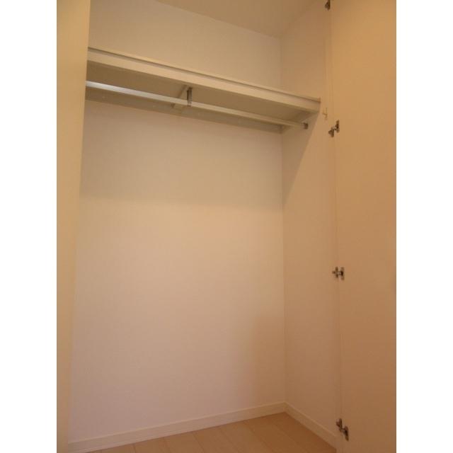 コンフォルト若宮 201号室の収納
