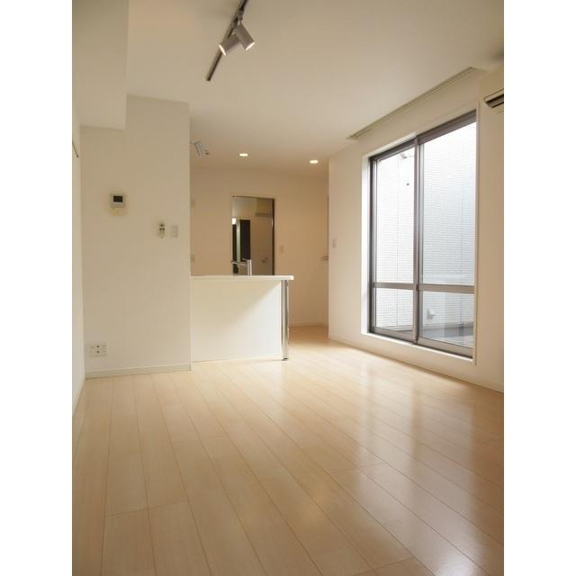 コンフォルト若宮 201号室の居室