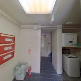 コーポ富士 107号室のエントランス