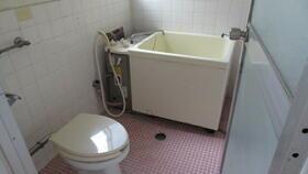 河合荘 202号室のトイレ