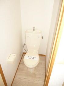 リーガル武蔵関 206号室のトイレ