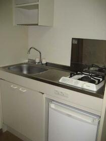 ヴィラシャルマン 207号室のキッチン