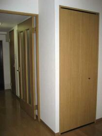 ヴィラシャルマン 207号室の収納
