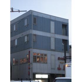 斗七ビルの外観