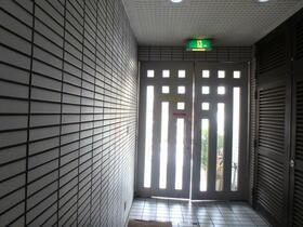 日立高円寺ビル 303号室のエントランス