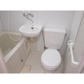 ビーハイブ 101号室のトイレ