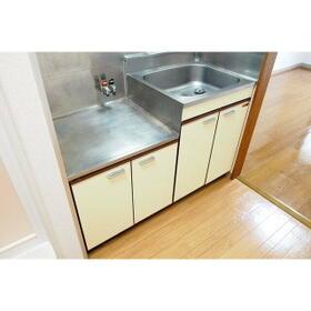 ビーハイブ 101号室のキッチン